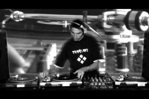 Fullvideoset 3 Decks Vinyl Set at Studio