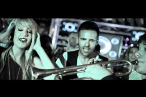 Carlos Jean feat M-AND-Y - Gimme the Base (DJ) - Vídeoclip Oficial (HD)
